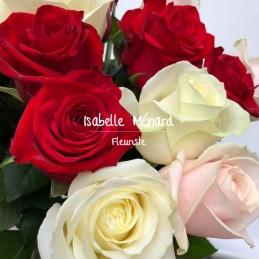 bouquet rond de roses courtes