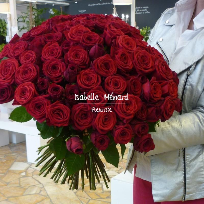 superbe brassée de roses rouges