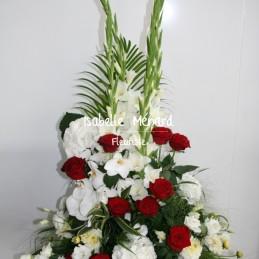 devant de cercueil blanc et...
