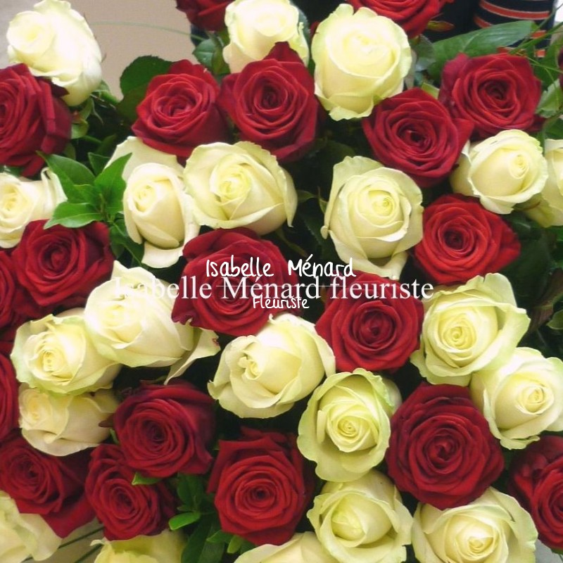 superbe bouquet de grandes roses rouges et blanches