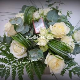 bouquet rond de roses...